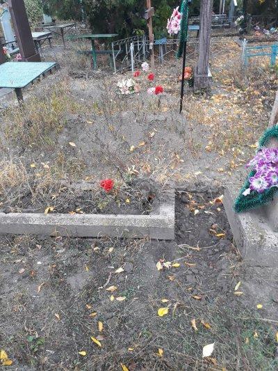 Сегодня были на кладбище... ПОЛУЧИЛИ ШОК!!!