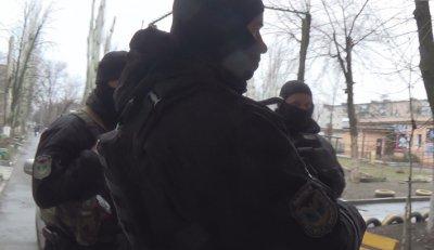 Областной департамент полиции проводит обыска у Правого Сектора Никополя по делу Рыбакова (видео)