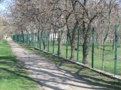 В Покрове продолжаются работы по реконструкции парка в поселке Рудник (фото)