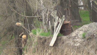 В Никополе, на Новопавловке из за обвала кручи могут сойти в водохранилище и дома (видео)